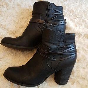 Madden Girl Denice Black Ankle Boots 8M